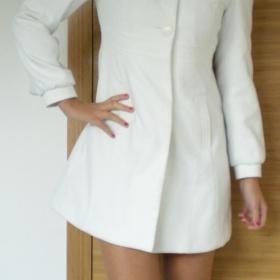 Krémový kabát Orsay