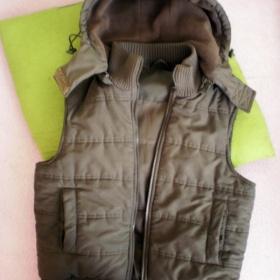 Khaki zelená zimní/podzimní vesta Orsay - foto č. 1