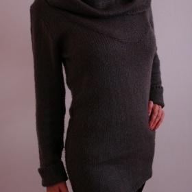 Šedozelený dlouhý svetr Orsay - foto č. 1