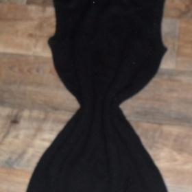Svetrové šaty černé farby Terranova - foto č. 1