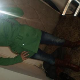 Zelený kratší kabátek na knoflíky - foto č. 1
