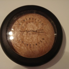 MAC Mineralize Skinfinish, odstín Soft and Gentle