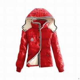 Červená bunda Moncler - foto č. 1