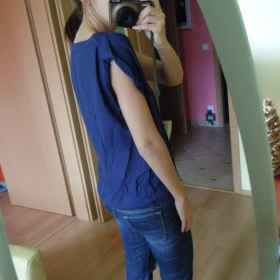 Modr� halenka ze Zary se zaj�mav�mi ruk�vy - foto �. 1