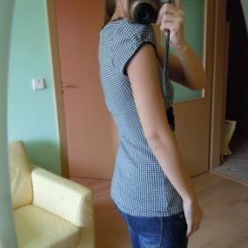 Černo bílé tričko s mašličkou Bershka - foto č. 1