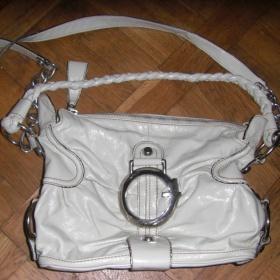 Krémová kabelka Guess - foto č. 1