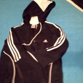 Tmavě modrá mikina Adidas s kapucí - foto č. 1