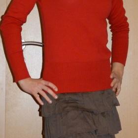 Červený svetr Terranova - foto č. 1
