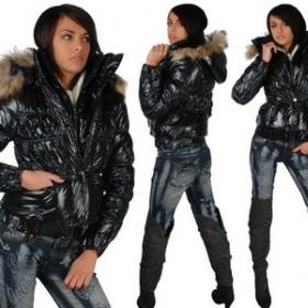 Černá lesklá bunda s kožíškem - foto č. 1