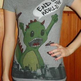 Tričko s potiskem Bershka - foto č. 1