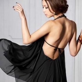 Šaty s odhalenými zády/boky - foto č. 1