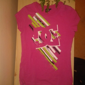 Růžové tričko DC - foto č. 1