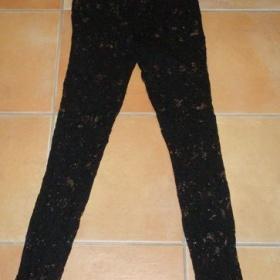 Černé krajkové legíny F&F - foto č. 1
