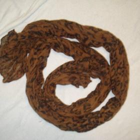 Šátek hnědý tygrovaný vzor - foto č. 1