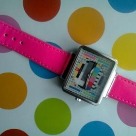 Růžové hodinky NY - foto č. 1