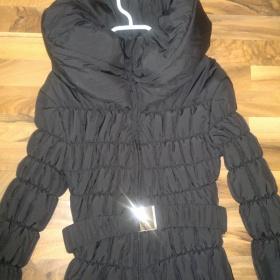 Černá bunda/kabátek s límcem a páskem - foto č. 1