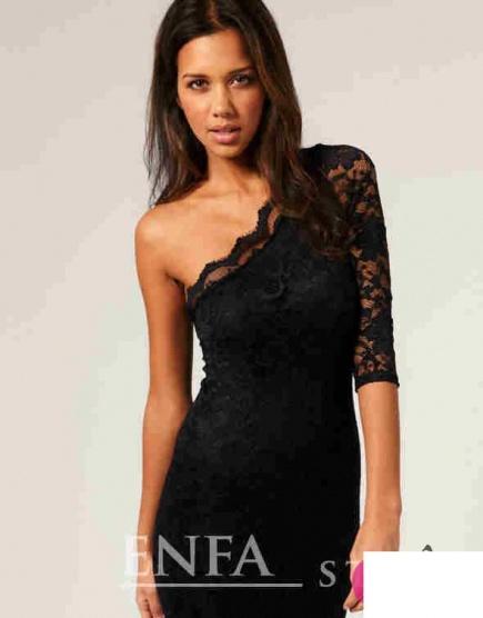 7954fa30e78 Černé krajkové šaty na jedno rameno - Bazar Omlazení.cz