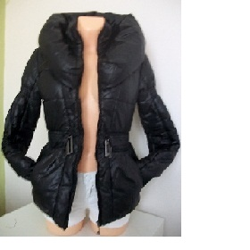 Černý kabátek s velkým límcem - foto č. 1