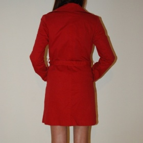 Červený jarní plátěný kabátek - foto č. 1