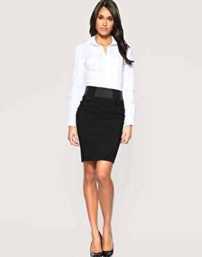 Perfektní kousky oblečení pro štíhlé ženy s menším poprsím