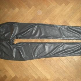 Antracitové koženkové legíny  Amisu - foto č. 1