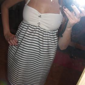 Bílé šaty - foto č. 1