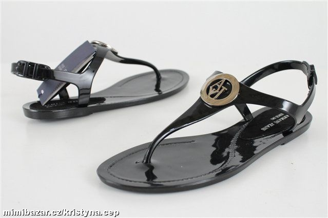 c4b889bb8c6e Lesklé sandály Armani Jeans - Bazar Omlazení.cz