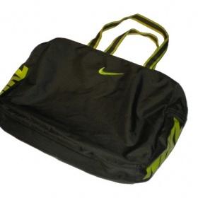 Sportovn� mal� Nike kabelka - foto �. 1