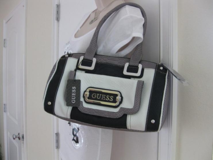 Jak poznám fake kabelky Guess  - Diskuze Omlazení.cz (3) 0f3a4ed2906