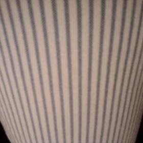 Pruhovan� b�lo - modr� slim kalhoty Mango - foto �. 1