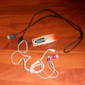 Oranžový MP3 přehrávač s růžovými sluchátky - foto č. 1