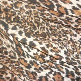 Minišaty s černými flitry leopardí barvy - foto č. 1