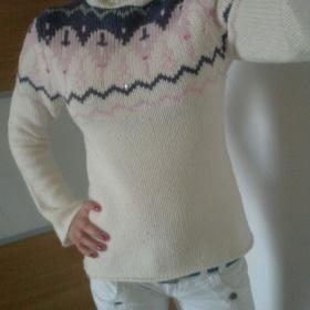 Bílý huňatý svetr - foto č. 1