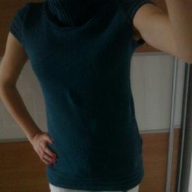 Tyrkysový delší svetr - foto č. 1