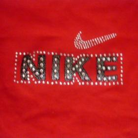 Tričko  Nike v červené barvě - foto č. 1