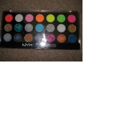 Nyx - max paleta stínu - foto č. 1
