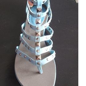 Modr� ocvo�kovan� gladi�torky - foto �. 1