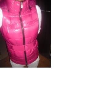 Růžová vesta Bershka - foto č. 1