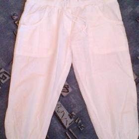 Bílé 3/4 kalhoty - foto č. 1