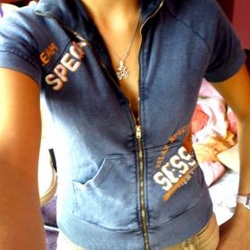 Modr� tri�ko na zip - foto �. 1