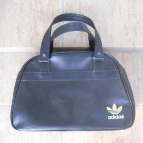 Černo - zlatá kabelka Adidas