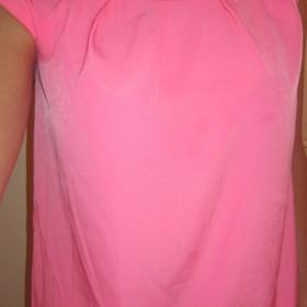 Neonově růžový top Mango - foto č. 1