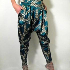 Harémové kalhoty s řetězy - foto č. 1