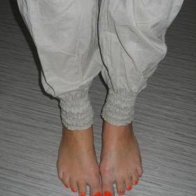 Béžové harémové kalhoty na gumu