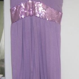 Fialové šaty s flitry - foto č. 1