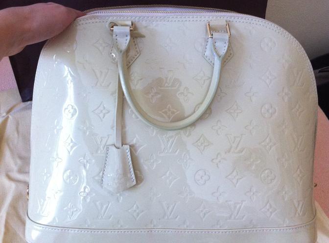 Louis Vuitton Alma vernis beige - originál  - Diskuze Omlazení.cz 5041d546857