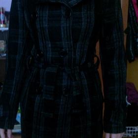 Černý károvaný kabát - foto č. 1