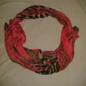 Červené - tygrovaný šátek - foto č. 1