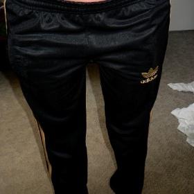 Čermo zlaté tepláky Adidas - foto č. 1