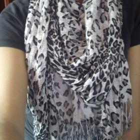 Leopardí šátek - foto č. 1